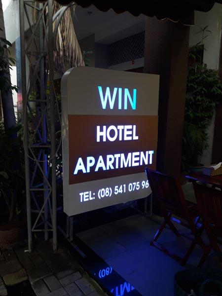 Làm bảng hiệu hộp đèn LED Win Hotel Apartment