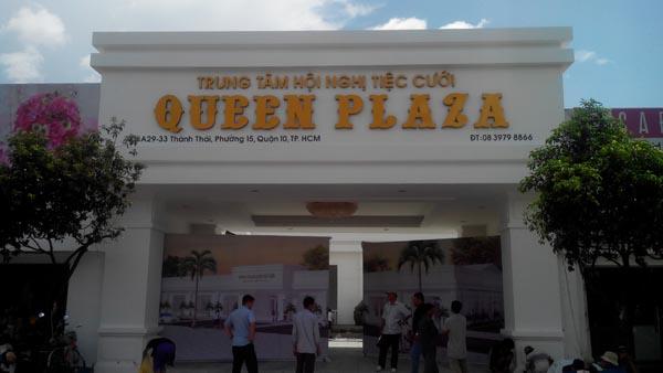 Làm bảng hiệu quảng cáo trung tâm tiệc cưới Queen Plaza