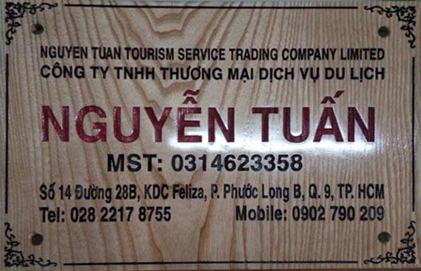 Làm bảng hiệu gỗ đẹp tại TPHCM
