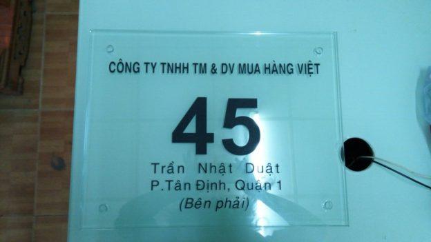 Bảng hiệu kính công ty Mua Hàng Việt
