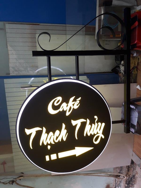 Làm bảng hiệu hút nổi Cafe Thạch Thủy