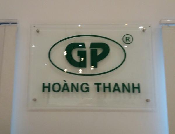 Làm bảng hiệu Kính công ty Hoàng Thanh