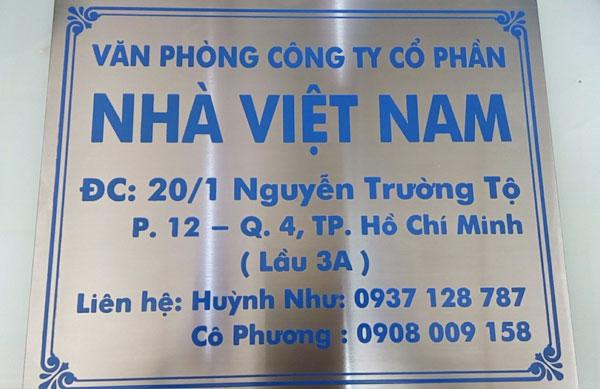 """Làm bảng hiệu inox """"nhà Việt Nam"""""""