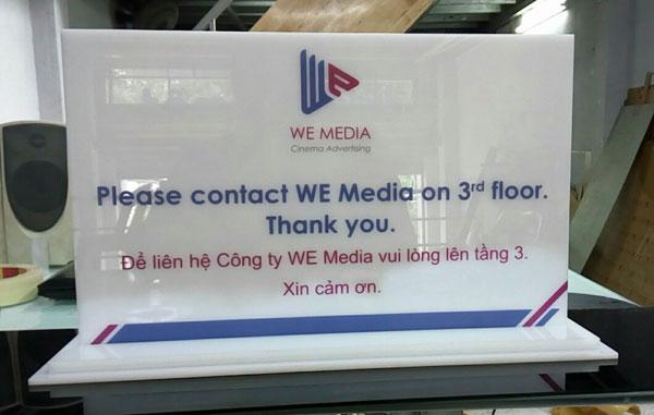 Làm bảng để bàn công ty We Media